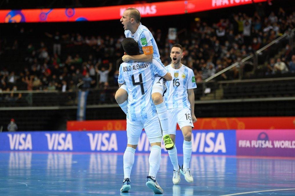 Argentina eliminó a Rusia y jugará en Semis ante Brasil.