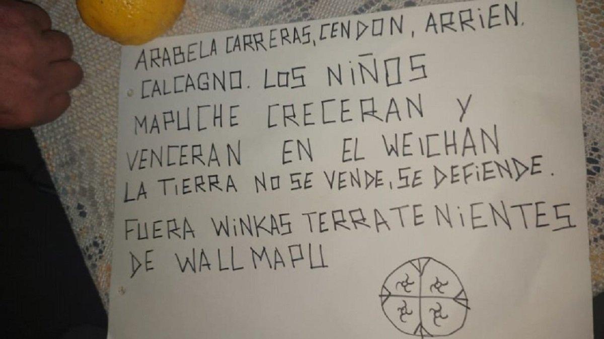 Esta es el mensaje que se encontró tras el ataque a un edificio Vialidad en Bariloche.