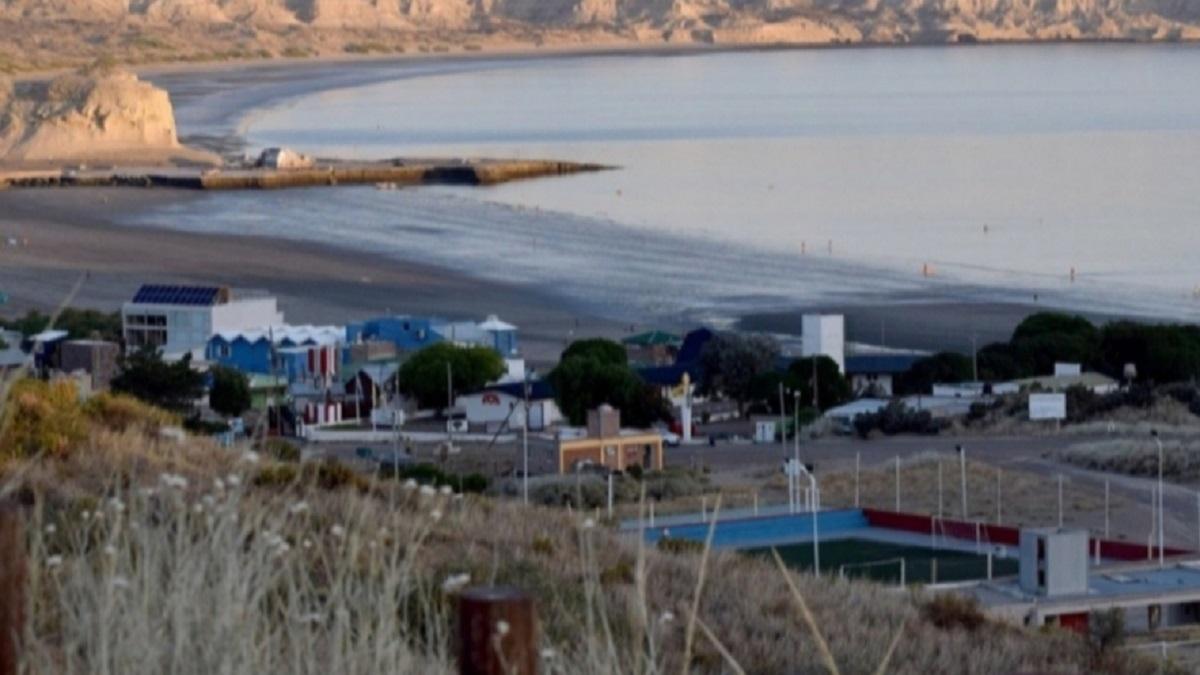 Continúan los trabajos de reparación de la planta desalinizadora de Puerto Pirámides.