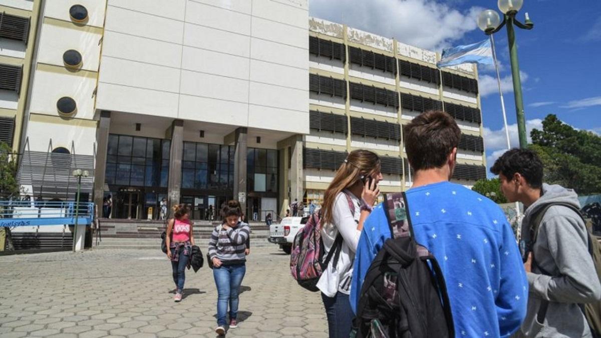 Chubut tendrá un programa enfocado en facilitar la transición de los estudiantes entre el nivel secundario y la universidad. Imagen ilustrativa.
