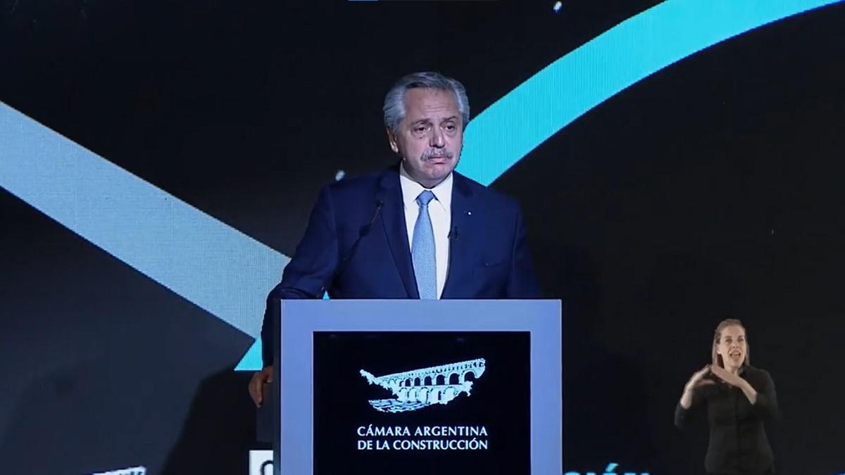 Alberto Fernández participó en laConvención de la Cámara Argentina de la Construcción en La Rural.