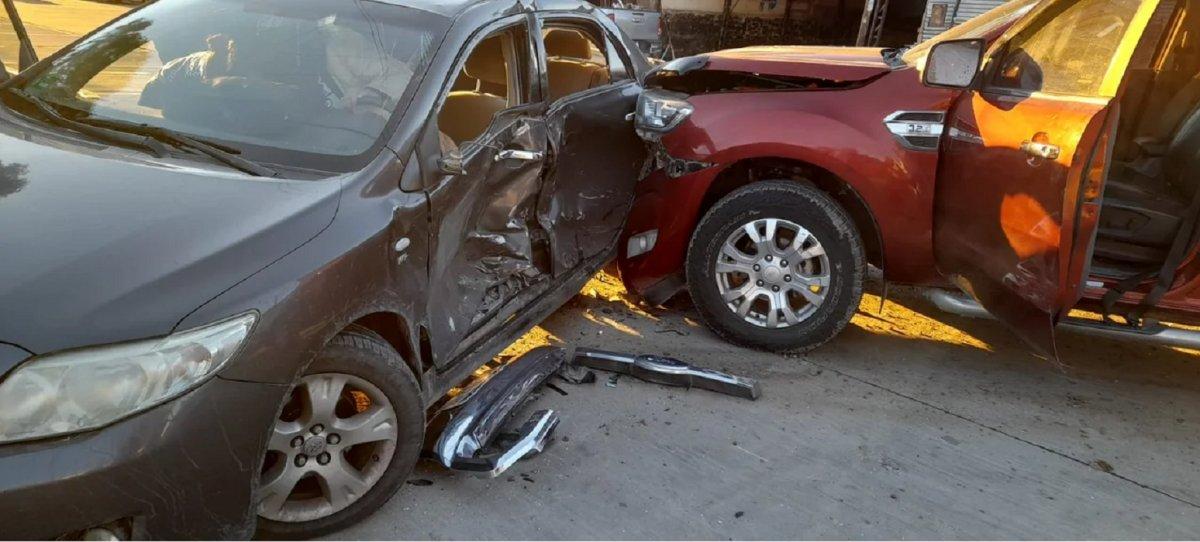 Una mujer terminó herida tras un fuerte choque en la Avenida Rivadavia