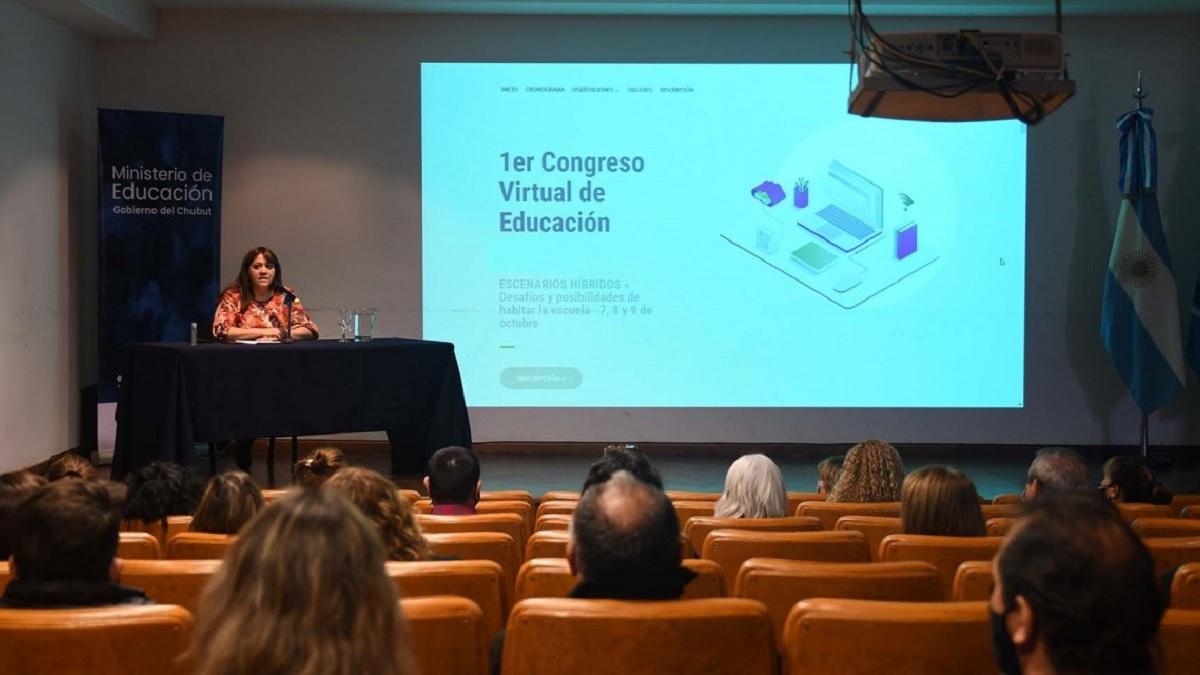 Este jueves inicia el primer Congreso Virtual de Educación que reunirá a más de 800 docentes.