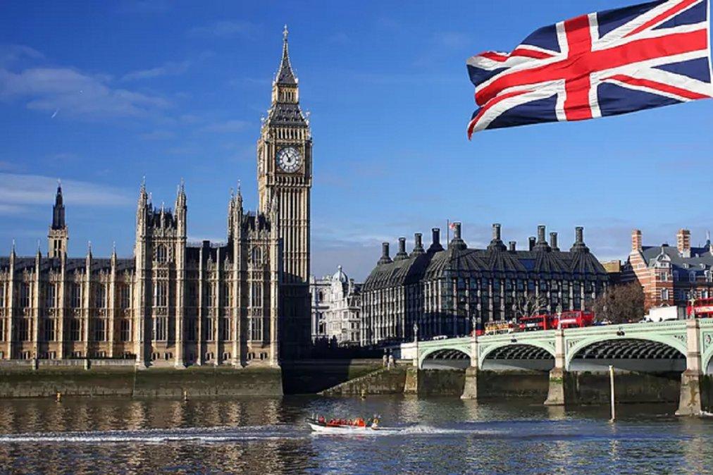 Reino Unido anunció que abre sus fronteras a personas de otros países