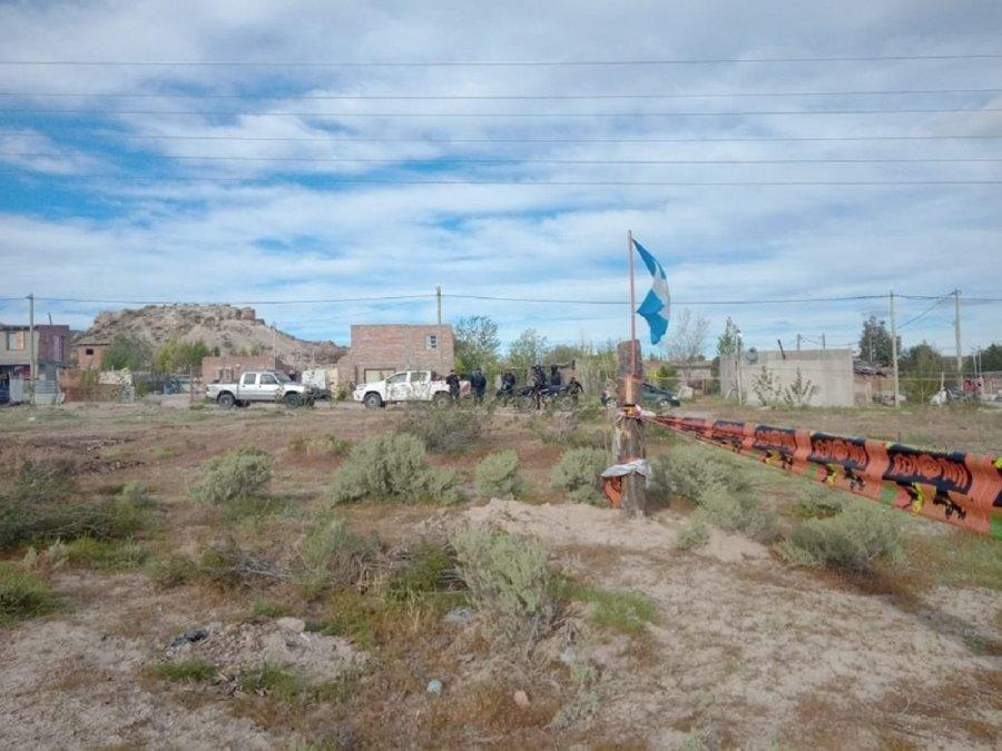 Vecinos que habían ocupado terrenos en Gaiman fueron desalojados