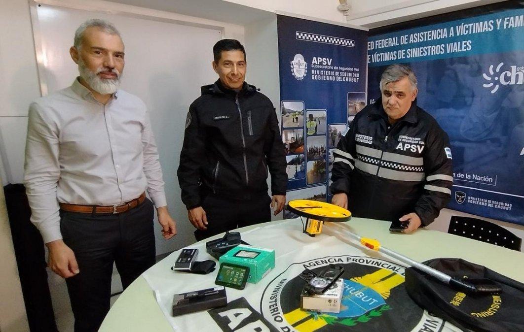 El Gobierno del Chubut entregó equipamiento al Área de Criminalística de la Policía