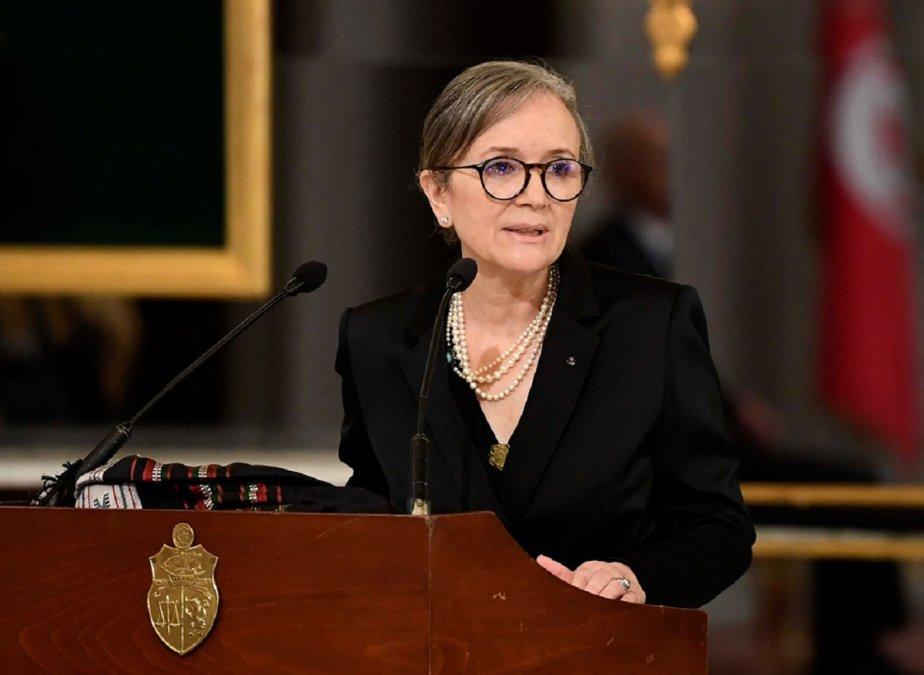 Najla Buden fue nombrada como primera jefa de Gobierno de Túnez y del mundo árabe