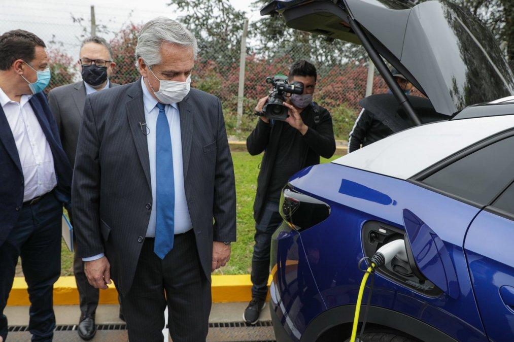 lberto Fernándezvisitó la planta de producción queToyotatiene en Zárate para presentar el proyecto de Ley de Movilidad Sustentable.