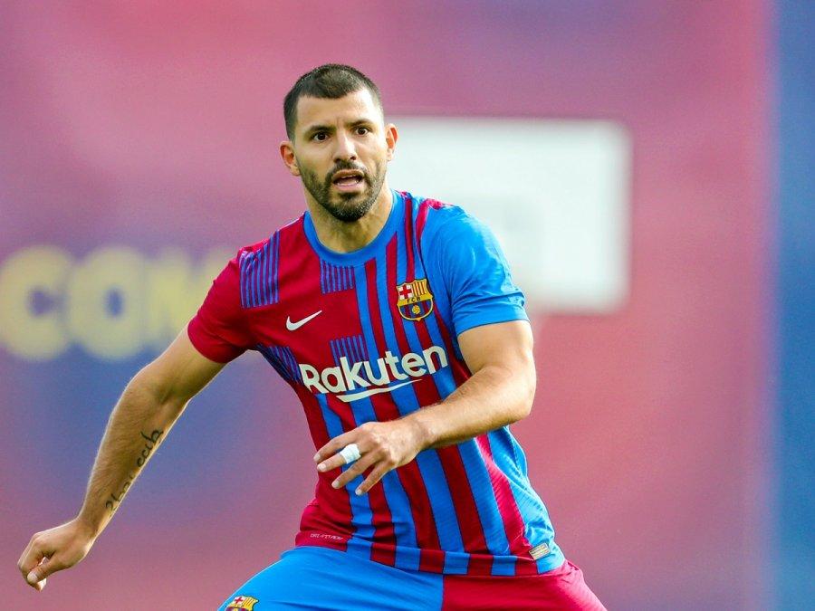 El Kun Agüero jugó su primeros minutos en el Barcelona.