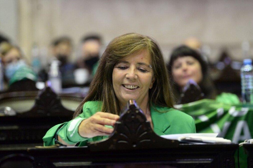Gabriela Cerruti renunció a su banca en el Congreso